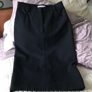 Dolce & Gabbana pencil skirt Sz 38 Fits like a 6